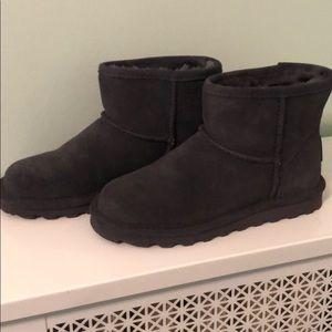 Bearpaw size 7 gray black boots new without box